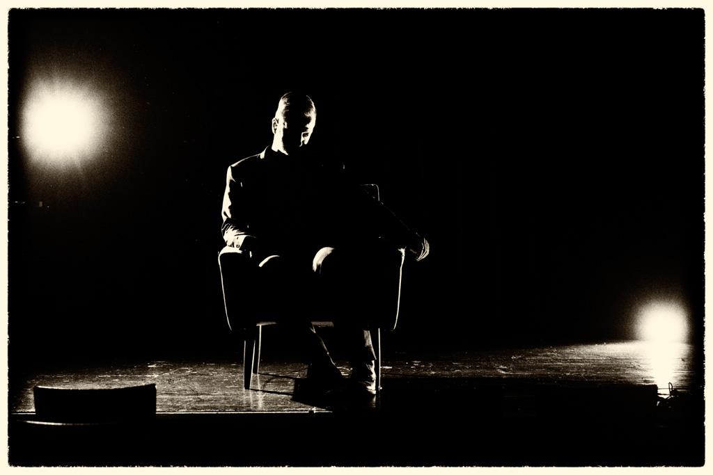 Kabarettist Markus Koschuh, fotografiert im Treibhaus